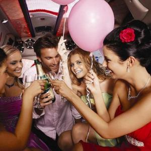 Limousinen-Fahrt im Hummer mit Striptease