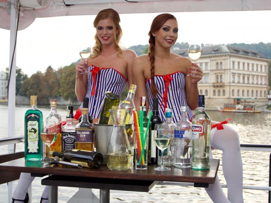 Bootsfahrt mit unlimitierten Getränken